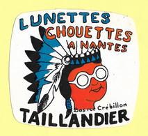 AUTOCOLLANT STICKER LUNETTES CHOUETTES A NANTES - BAS RUE CRÉBILLON TAILLANDIER - Stickers