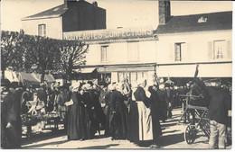 CPA - France - (85) Vendée - La Roche-Sur-Yon - Carte Photo - Animation Place Du Marché - La Roche Sur Yon