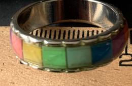 Regenboogring - Zilverkleurig Met Verschillende Kleurvlakjes - Unclassified