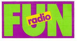 384 - AUTOCOLLANT - THEME RADIO - FUN RADIO - Adesivi