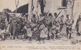 A Neufmoutiers Près De Meaux - Marocains Examinant Leur Butin De Guerre - Guerra 1914-18