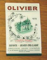Pub Magnet Château Olivier 1978 Graves Grand Cru Classé P. De Bethmann Léognan 9 X 6 Cm - Turismo