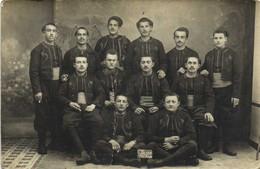 Carte Photo Militaires Spahis En Grande Tenue Classe 1917 RV - Personaggi