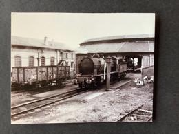 Photo : Locomotive 140C Au Dépôt De Verdun En 1970 - Treinen