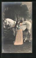 AK Junge Frau In Kleid Und Pferd - Caballos