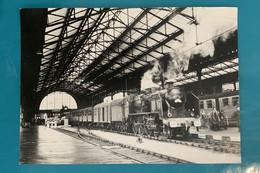 Locomotive SNCF 230 G 382 - Photo Train Spécial Gare Tours- 1964 - France Sud Ouest Indre Loire 37 Loc Loco Vapeur 230G - Trains