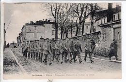 Cpa BLAYE   PRISONNIERS ALLEMANDS SE RENDANT AU TRAVAIL - War 1914-18