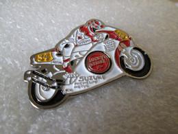 PIN'S   MOTO  SUZUKI LUCKY STRIKE   KEVIN  SCHWANTZ   GRAND PRIX - Motorbikes