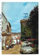 Espagne. Costa Brava. Calle Tipica/ Rue Typique. Renault Dauphine - Gerona