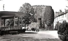 57 - Thionville - Tour Aux Puces Et Tribunal (ancien Château) (oldtimer) - Thionville