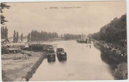 Péniches  à Nevers (58 - Nièvre)  Le Concours De Pêche - Arken