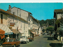 Automobiles - Voitures De Tourisme - Barbotan Les Thermes - La Rue Principale - 2CV - CPM - Voir Scans Recto-Verso - Turismo