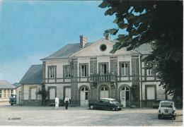 ALIZAY. La Mairie. Les Ecoles. Voitures : Citroën DS. Renault 4L - Altri Comuni