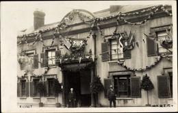 Photo CPA Barnet London England, The Salisbury Arms, Festschmuck - Andere