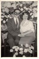 Photo Personne Homme Femme Bouquet Fleur Couple Famille Costume 13x9 Cm - Personas Anónimos