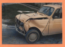 PHOTO ORIGINALE - ACCIDENT DE VOITURE RENAULT R4 R 4 4L - CRASH CAR - Automobili