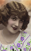Portrait Jeune Femme  RV - Women