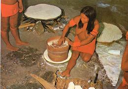 ~~ Indienne Tribu Oyanas - Préparation De La Cassave - Unclassified