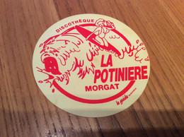 Sous-bock (rare) Plastique «DISCOTHÈQUE - LA POTINIÈRE - MORGAT (29)» - Portavasos