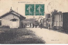 (Jura)  CPA  Menotey  Gare Du Tram  (Bon état) - Otros Municipios