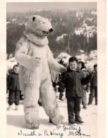 ST SAINT GERVAIS 1958 Ours Blanc Avec Enfants Fillette Mireille Déguisement Neige Photo 10x14.5cm Avec Marge - Lugares