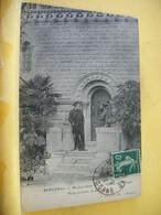 24 8163 CPA 1913 - 24 BERGERAC. MOUNET-SULLY EN SON CHATEAU DE GARRIGUE. PORTE D'ENTREE DU CHATEAU - ANIMATION - Bergerac