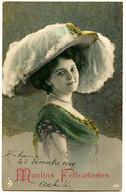 Mode, Très Grand Chapeau Autruche - Jeune Femme, Fond Dépoli Floqué - Carte Espagnole Ou Cubaine - Mode