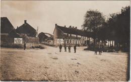 Alte Ansichtskarte Aus Bourgogne ( Bourgogne - Fresne ) - Deutsche Soldaten An Einer Straßenkreuzung - - Otros Municipios