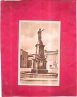 LE DORAT - 87 -  Place De La Fontaine - 170321/BAL - - Le Dorat