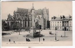 Cpa Nantes Place Louis XVI Et La Cathedrale - Nantes