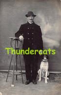 CPA CARTE DE PHOTO CHIEN HOMME MUSEAU THONET HEYST OP DEN BERG RPPC REAL PHOTO MALE MAN DOG MUZZLE - Dogs