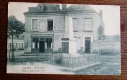Carte Postale Ancienne - Jupilles - Monument - Place Et Rue Du Cimetière - Other Municipalities