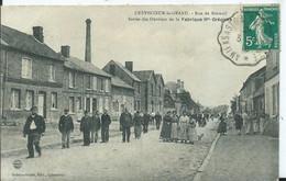 CREVECOEUR LE GRAND - Rue De Breteuil Sotie Des Ouvriers De La Fabrique - Crevecoeur Le Grand