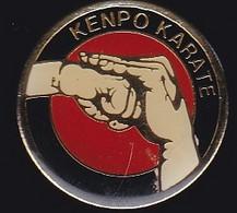 70120-Pin's.Karaté.Le Kenpō Fut également Surnommé Le Kung Fu Japonais - Judo