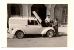Menton 1950 Photo Coupée En Bas Sur 6x9cm - Garage - Automobile Fourgonnette - 41 Quai Bonaparte Moto-velo Auto - Cars