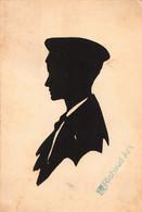 CPA Silhouette - Jeune Homme - Silhouetkaarten