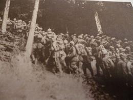 CP 14/18   TROUPES ALLEMANDES EN MARCHE DANS LES VOGES - 1914-18