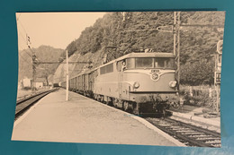Train Marchandises SNCF - Photo Locomotive BB 9272 Gare Estivaux- 1973 - France Sud Ouest SO Limousin Corrèze 19 BB9200 - Trains