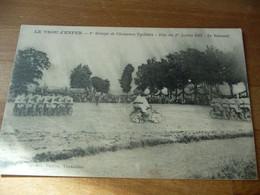 78 - Le Trou D Enfer Chasseurs Cyclistes Fete Du 1 Juillet 1923 Le Velousel (tirage Flou Angle Bas Marqué) - Other Municipalities