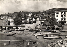 Le Lavandou - Le Port Et L'église - Le Lavandou