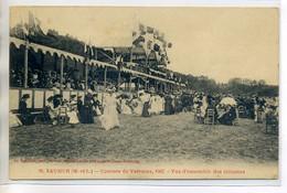 49 SAUMUR Courses De Chevaux De VARRAINS 1902 Les Tribunes  Jolies Dames à Chapeaux 1910     /D17-2017 - Saumur