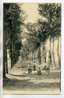 45 Les Bords Du Loiret 4 LL  Cyclistes Et Promeneurs Avenue De La Fontaine 1910    /D13-2018 - Unclassified