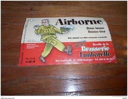 ETIQUETTE BIERE AIRBORNE BRUIN - Bier