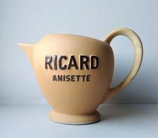 """- Pichet En Céramique. """" RICARD ANISETTE """" . 830 - - Carafes"""