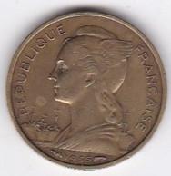 ILE DE LA REUNION. 10 FRANCS 1955 - Reunion