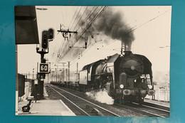 Locomotive SNCF 141 R 1262 - Photo Train Vers Bordeaux - Années 1960 - France Sud Ouest Gironde 33 Gare Loc Loco Vapeur - Trains