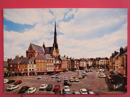 45 - Pithiviers - La Place Du Martroi Et L'Eglise Saint Salomon Saint Grégoire - Très Bon état - R/verso - Pithiviers