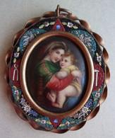 Miniature : Vierge à L'enfant Porcelaine Entourée De Mosaïque - Godsdienst & Esoterisme