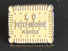 PIN'S -- LU - Petit Beurre - Nantes -- Création Sauvagine - Alimentación