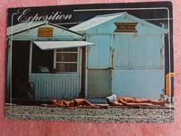 Exposition Au Soleil - Deux Femmes Aux Seins Nus - Pin-Ups